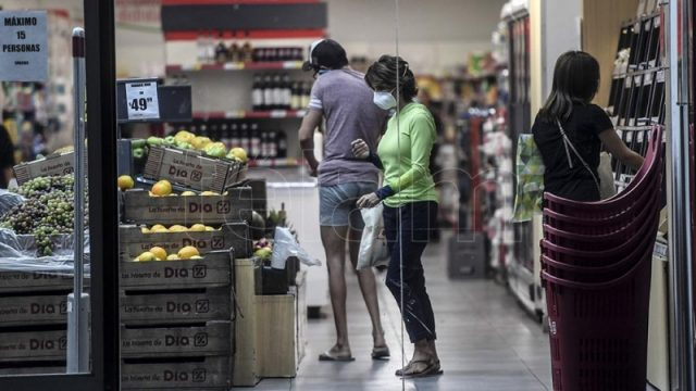 Con el consumo como eje principal, Español se reúne con las cadenas de supermercados – Télam